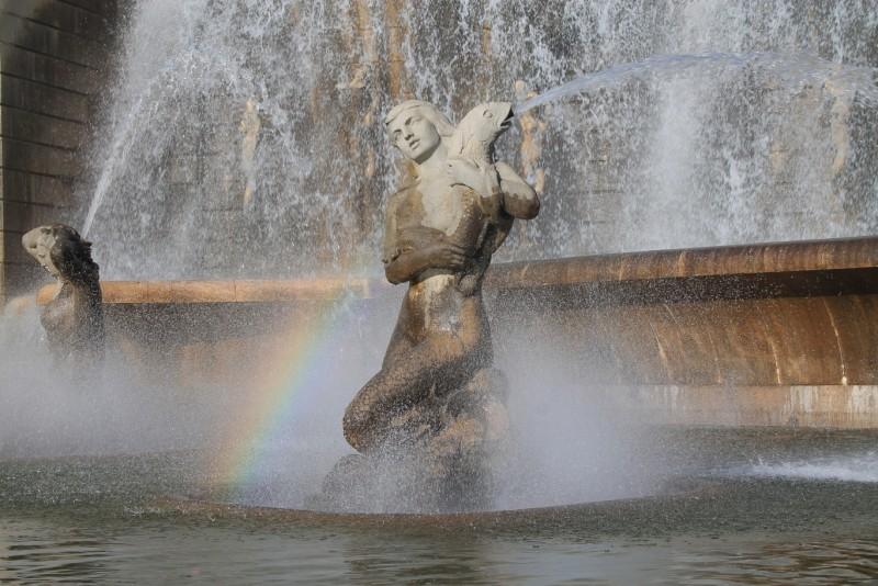 Fonte Luminosa mermaid rainbow