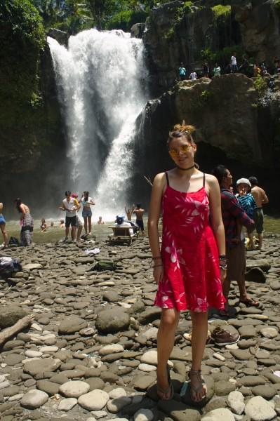 Tegenungan waterfall Tina