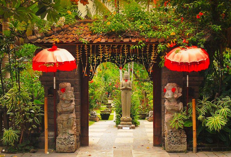 Ubud Inn gate