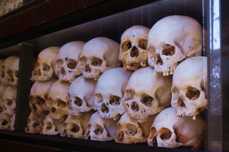 Choeung Ek killing fields Phnom Penh - skulls