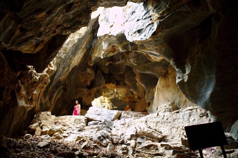 Phnom Sorsir elephant cave