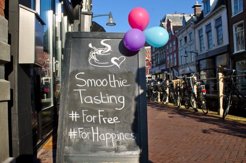 Free smoothie tasting during Geluksroute, Leeuwarden