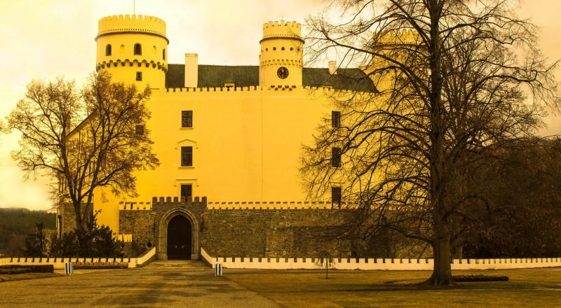 Happy Place, Happy Note, Orlík, castle, Czechia
