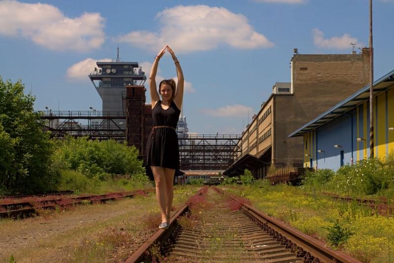 Nákladové nádraží Žižkov, dancing on the rails