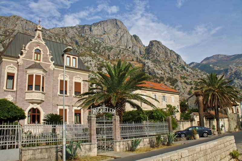 Montenegro, Kotor, architecture